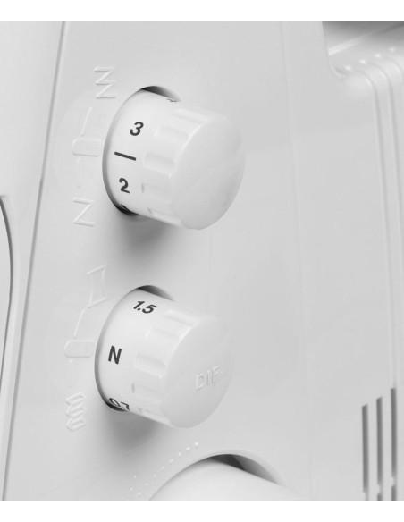 Taglia e Cuci Juki MO-114D | Bottoni di regolazione del trasporto differenziale e lunghezza punto