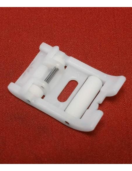 Il Piedino Scorrevole in Teflon con Rulli per Macchine da Cucire consente di cucire pelle, nabuk, scamosciati e altro