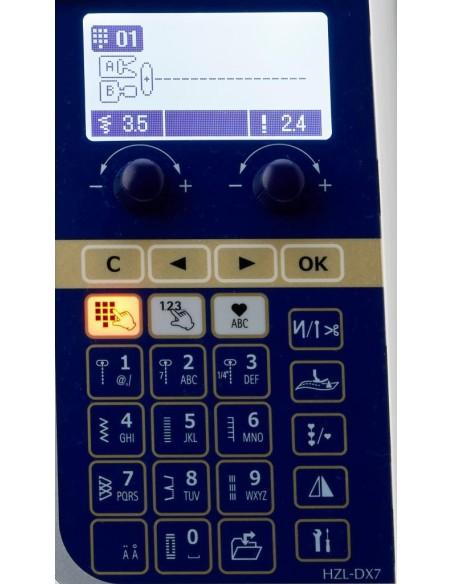 Il pannello comandi della Juki HZL-DX7 è semplice e intuitivo anche per la principiante