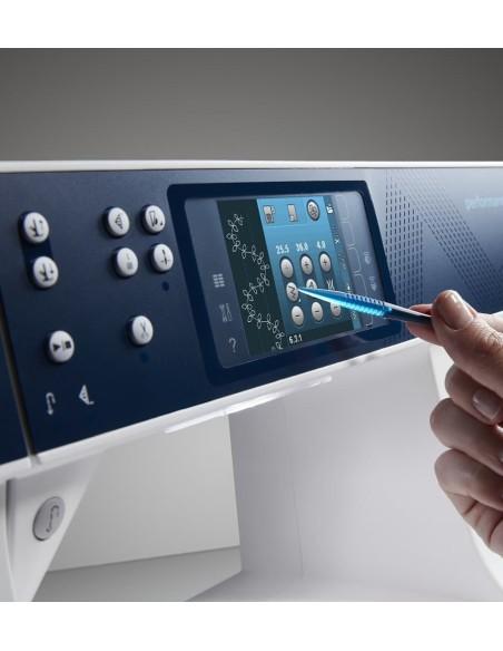 Il Touch-screen a colori  della Macchina per Cucire Pfaff Performance 5.2