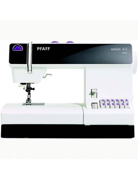 Set Atelier Professional include Pfaff Sewing Machine Select 3.2 & Hobbylock 2.0