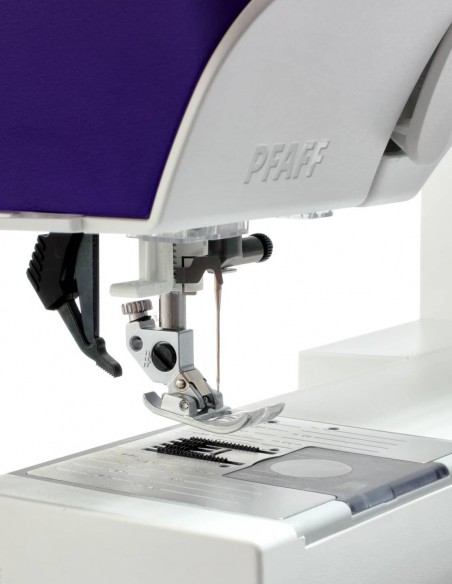 El sistema IDT de la Máquina de Coser Pfaff Expression 710 arrastra con precisión cualquier tipo de tejidos