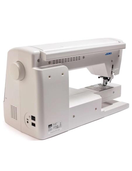 Il maniglione integrato per tutta la lunghezza della macchina Juki NX7 è comodo anche con 2 mani