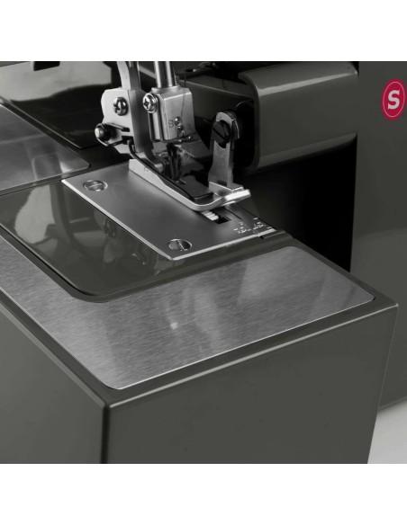 Coltelli maggiorati per tagliare anche tessuti molto spessi con la tagliacuci Singer HD0405S