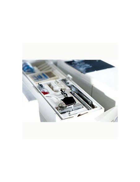Macchina da Cucire Pfaff Select 4.2 | il pratico porta-accessori per avere sempre tutto a portata di mano