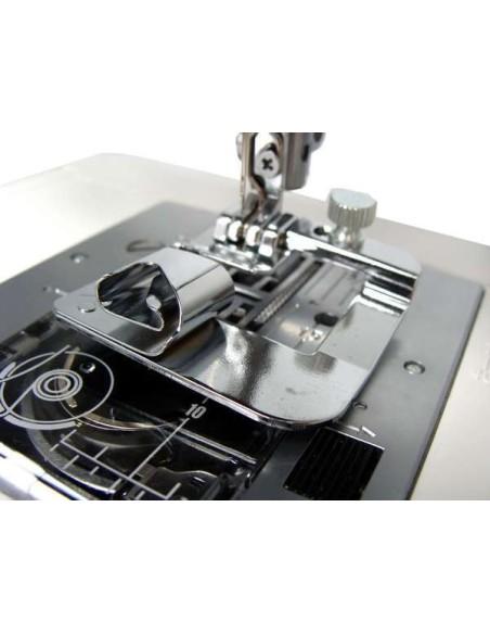 Con il Piedino Orlatore da 19 mm per Macchine da Cucire realizzi orli perfetti senza imbastire