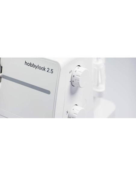 Il selettore automatico delle tensioni facilta le impostazioni della Taglia-cuci Pfaff Hobbylock 2.5