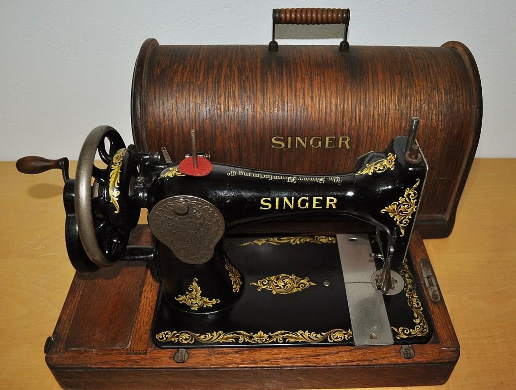 La storia delle macchine da cucire singer il blog per il for Tavolo macchina da cucire singer