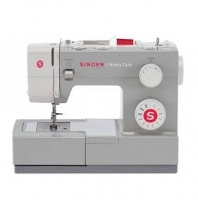 La macchina da cucire Singer HD 4411 è un concentrato di efficienza tecnologica e meccanica