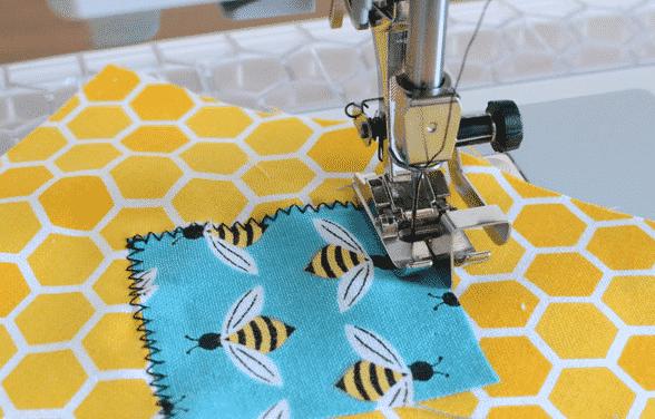 Un'idea semplice da realizzare con la macchina da cucire: la bustina porta tutto