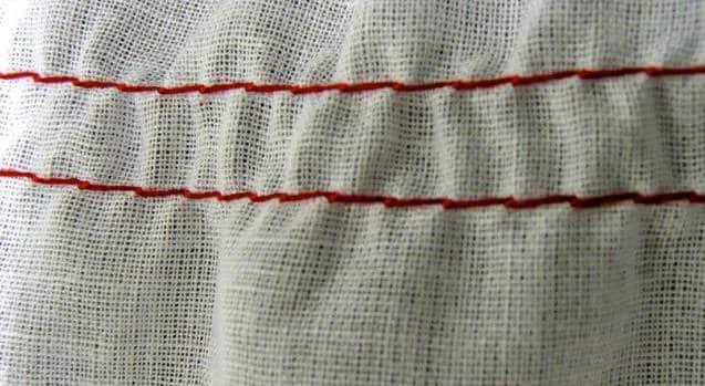 Regolare la tensione del filo della macchina per cucire