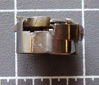 Guida alla tensione inferiore delle macchine per cucire for Porta bobina macchina da cucire