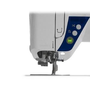 I pulsanti comando per varie funzioni della macchina da cucire Juki G220