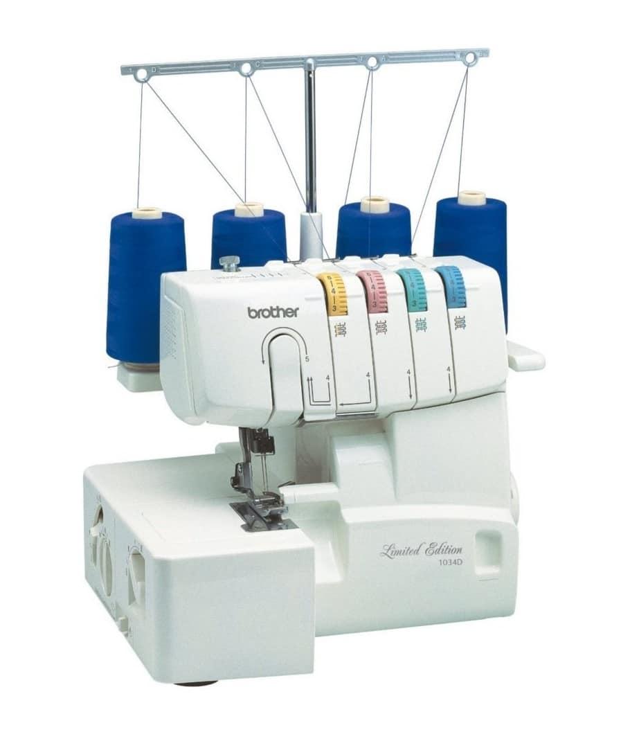 La taglia e cuci: una macchina cucire per i più esperti?