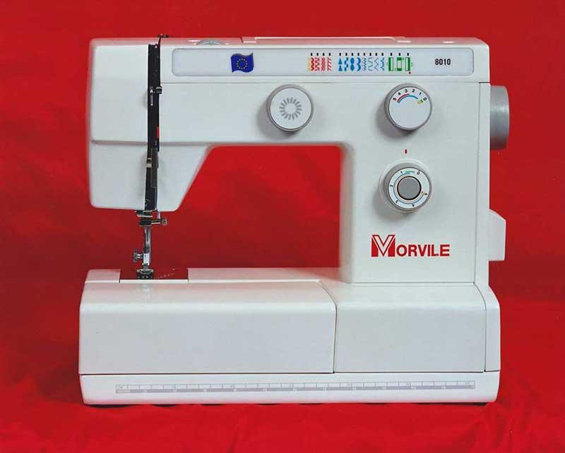 Macchine da cucire d'epoca che venivano usate dai professionisti