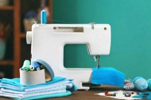 La differenza tra una macchina da cucire meccanica ed una elettronica