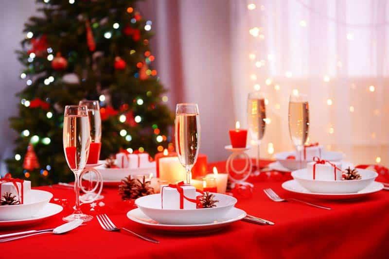 Come cucire una tovaglia natalizia